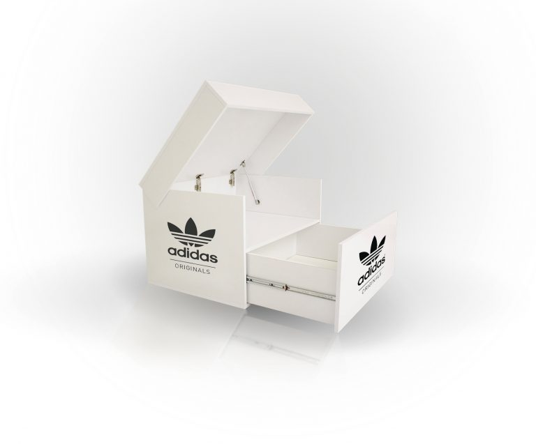 Sneakerbox Adidas originals