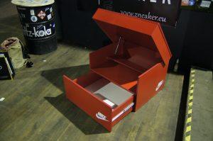 Schuhbox von Zneaker Rot
