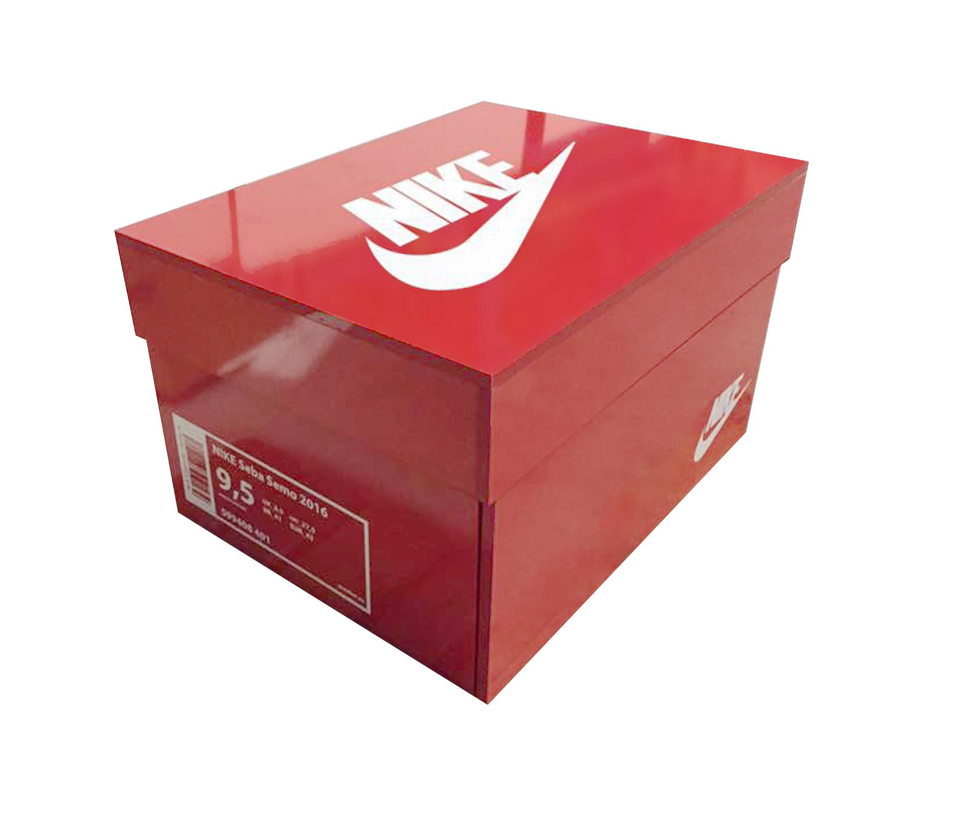 Rote-Sneakerbox-nike