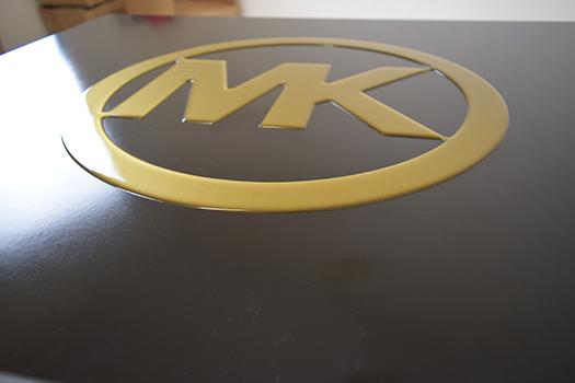 Sneakerbox-Eigenes-Logo-slid