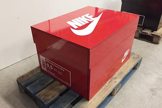 Sneakerbox-Nike-Rot-slid
